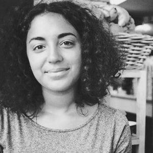 Yasmina Karli Malmsten på grafiken blev årets Våga se- stipendiat! Nu ställer hon ut i Stockholm